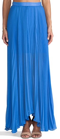 beautiful #pleated #skirt  http://rstyle.me/n/fz8pypdpe