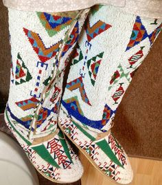 Lakota leggings 1890 sinew sewn on buckskin