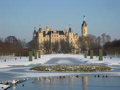 DE Schwerin Castle