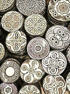 Gorgeous Moroccan patterns! Drum inspiration, @hennalotus ???  Méchant Studio Blog: Morocco Chic