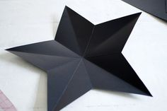 Chances are you've bought at least a few of your gifts online this year, So here's a DIY to help you cover them up! This DIY star decorations/ gift boxes Paper Ornaments, Christmas Tree Ornaments, Christmas Crafts, Christmas Ideas, Star Diy, 3d Star, Origami Decoration, Diy Decoration, Star Template