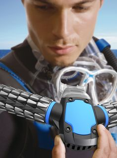 Triton Oxygen diving mask concept by Jeabyun YeonIt, is a small convenient oxygen respirator, allowing breathing under water for a long time by simply biting it.Triton scuba diving Oxygen Mask uses Cool Technology, Technology Gadgets, Futuristic Technology, Gadgets And Gizmos, Tech Gadgets, Fitness Gadgets, Materiel Camping, Breathing Underwater, Tech Toys