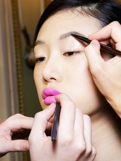 Tricks Makeup Artists Always Use (That You Don't) via @ByrdieBeautyUK