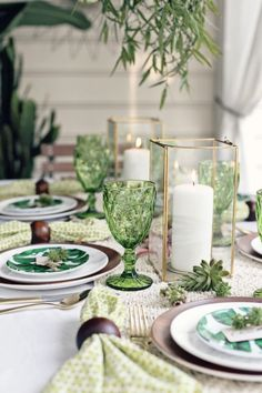 Set a Green Dinner Party Tablescape with Tropical-Boho Vibes for your next summer soiree. Get ideas and menu planning recipes here. party pictures Green Dinner Party ideas with a Tropical Boho theme Dinner Party Decorations, Dinner Party Table, Dinner Themes, Dinner Sets, Fall Dinner, Outdoor Dinner Parties, Tropical Decor, Tropical Furniture, Tablescapes
