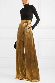 Palazzo pants are an extremely wide-legged women's trouser that flare out from the waist can come in just about every material, color and pattern imaginable. Look Fashion, Fashion Outfits, Womens Fashion, Steampunk Fashion, Gothic Fashion, Sequin Pants, Gold Pants, Trouser Outfits, Silk Pants Outfit