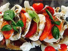 Ovenschotel met zalm, venkel, paprika, tomaat, mozzarella, verse basilicum overgoten met balsamico. Yum yum, healthy food!