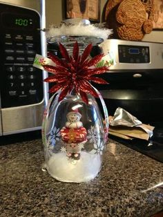 Diy Christmas Gifts Wine Glasses Snow Globes 26 Ideas While any flask Diy Christmas Gifts, Christmas Projects, Christmas Crafts, Christmas Ornaments, Christmas Christmas, Christmas Globes, Snow Globes, Christmas Wine Glasses, Wine Glass Candle Holder