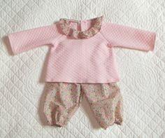 5c3a2e9467 Ensemble bébé brassière et pantalon bloomer liberty Betsy Ann