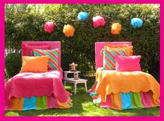 Josie loves these bright colors for her room. Modern Bedroom Decor, Kids Bedroom Furniture, Teen Room Decor, Bedroom Ideas, Cute Bedding, Teen Bedding, Queen Bedding Sets, Carnival Girl, Josie Loves