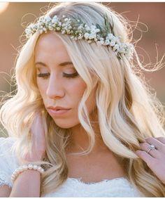 Bride by Julie Thomas, makeup by Kim Sandberg #bridalstyle #blowbeauty #bridalmakeup
