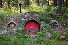 Hobbit House in Trout Creek, MT