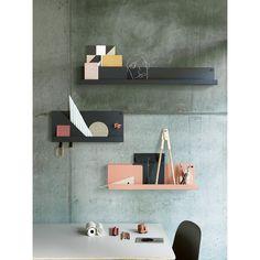 Folded hylle M, grå – Muuto – Kjøp møbler online på Room21.no
