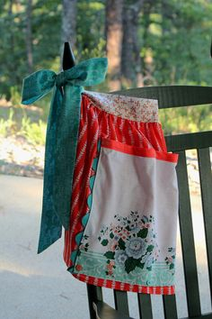vintage table cloth into apron