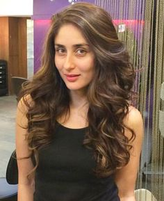 regram K w e e n Hair Color Auburn, Hair Color For Black Hair, Brown Hair Colors, Hair Colours, Deepika Padukone Hair Color, Wavy Hair, Her Hair, Bollywood Hairstyles, Most Beautiful Bollywood Actress