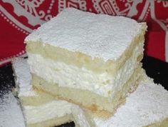 Egy nagyon finom és lágy sütemény, ami nálunk első kóstolásra kedvenc lett.