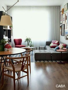 49 Top Design Ideas For A Small Living Room. Are you looking for interior decorating ideas to use in a small living room? Small living rooms can look just as attractive as large living rooms. Home Interior, Home Living Room, Apartment Living, Interior Design Living Room, Living Room Designs, Living Room Decor, Studio Apartment, Living Room Without Sofa, Apartment Ideas