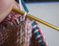 One For My Fellow Sock Knitters – This Is How I Do It Pick up stitches at gusset without holes Knitting Help, Knitting Stitches, Knitting Socks, Knitting Needles, Hand Knitting, Knitting Patterns, Stitch Patterns, Crochet Socks, Knit Or Crochet