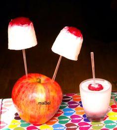 Helados fáciles de yogur y frutas - MaBel    Esta receta la encontras en    http://lacocinadeile-nuestrasrecetas.blogspot.com.ar/2011/04/heladitos-faciles-de-yogur-y-frutas.html