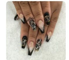 Thinking next time I get my nails done I'm doing the coffin look instead of the squared ones I normally do Fabulous Nails, Perfect Nails, Gorgeous Nails, Pretty Nails, Sexy Nails, Hot Nails, Hair And Nails, Black Nails, Crazy Nails