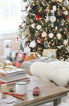 A charming and traditional modern farmhouse Christmas tour