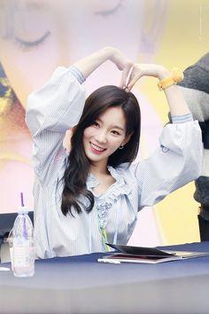 New post on spicykpop Sooyoung, Yoona, Snsd, Kim Hyoyeon, Kpop Girl Groups, Korean Girl Groups, Kpop Girls, Girls' Generation Taeyeon, Beleza