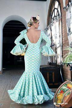 N/A Custom Jewelry, Vintage Designs, Formal Dresses, Crochet, Womens Fashion, How To Wear, Beauty, Beautiful, Maroon Suit