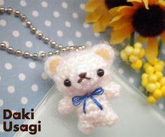 osito colgante amigurumi pagina japonesa Crochet Bear, Diy Crochet, Crochet Dolls, Crochet Keychain, Knitted Animals, Fibres, Crochet Videos, Plushies, Free Pattern