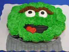 Oscar cupcake cake