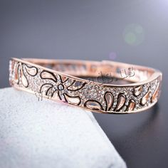 Zinc Alloy Bangle, real gold plated, enamel & with rhinestone & hollow, nickel, lead & cadmium free, Inner Diameter:Approx 58mm, Length:Approx 7.2 Inch,china wholesale jewelry beads