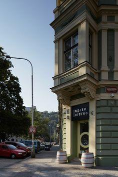 Nejen Bistro by mar.s architects - http://www.interiorredesignseminar.com/interior-design-ideas/nejen-bistro-by-mar-s-architects/