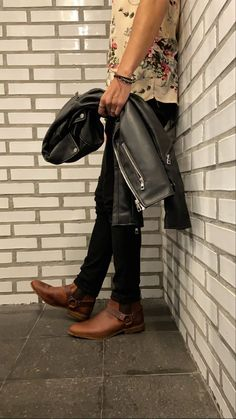 Rock Style, Dress Codes, Bradley Mountain, Gentleman, Chelsea Boots, Mens Fashion, Backpacks, Outfits, Bags