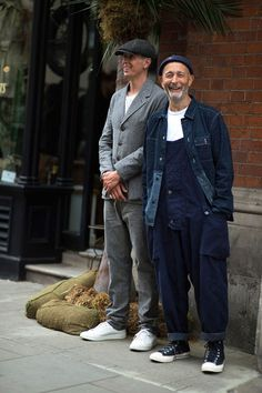 Werkkleding: Nigel Cabourn in dubbele denim. Street Style Vintage, Look Street Style, Workwear Fashion, Mens Fashion, Suit Fashion, Street Fashion, Men Street, Street Wear, Stylish Men