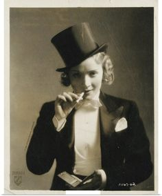 Marlene Dietrich photo print poster vintage classic Hollywood movie star actress smoking top hat black and white home theater wall decor art Old Hollywood, Hollywood Glamour, Classic Hollywood, 1920s Glamour, Hollywood Style, Hollywood Actresses, Marlene Dietrich, Louise Brooks, Cabaret
