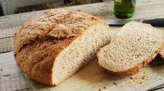 Ugye hogy nincs is jobb, mint a friss kenyér roppanós hangja?! Hát mi is így gondoljuk. Zé egy olyan szuper félbarna kenyeret mutat amibe megy sokféle mag, de még sört is önt bele, a végeredmény pedig egy ropogós külsejű, tökéletes állagú, félbarna kenyér. Ha egyszer kipróbáljátok, akkor tuti nem…