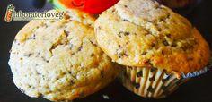 Muffin alla nocciola con scaglie di cioccolato