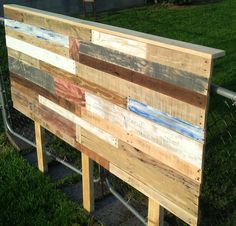 wooden-pallet-colorful-queen-size-headboard