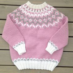 Diy Crafts - A cute little lopi-sweater for toddlers and kids. A traditional Icelandic yoke and high neck to keep warm during cold winter months. Knit Slippers Free Pattern, Baby Cardigan Knitting Pattern Free, Fair Isle Knitting Patterns, Knitting Designs, Knitting Stitches, Knit Baby Sweaters, Knitted Baby Clothes, Icelandic Sweaters, American Girl Clothes