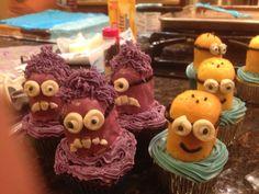 Good and evil Minion cupcakes.