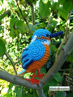 The Kingfisher amigurumi crochet pattern by MieksCreaties