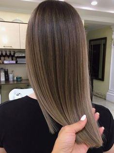 Are you looking for blonde balayage hair color For Fall and Summer? See our collection full of blonde balayage hair color For Fall and Summer: straight brown blonde hair. Balayage Brunette, Hair Color Balayage, Fall Balayage, Blonde Color, Haircolor, Purple Balayage, Bayalage, Asian Balayage, Auburn Balayage