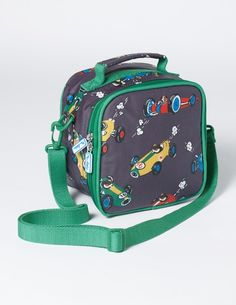 Pop sandwiches and snacks into this fun lunch bag and make sure your fuel tank stays full all day. It has two straps to make it easy to carry and a wipe-clean interior keeps it looking as good as new (no matter how many little spillages you might have).