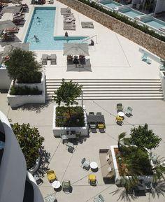 Isabel López Vilalta + Asociados · Hotel Cala Esmeralda Suites and exterior areas · Divisare