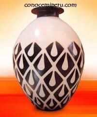 Imagen relacionada Painted Flower Pots, Painted Pots, Hand Painted, Bottle Art, Bottle Crafts, Paper Mache Bowls, Pottery Wheel, Recycled Bottles, Pottery Painting