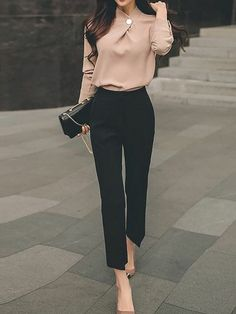 Stunning Business Casual Outfits Perfect For Work In The Office - business professional outfits for interview Business Casual Outfits For Work, Casual Work Outfits, Work Attire, Mode Outfits, Work Casual, Fashion Outfits, Casual Office, Woman Outfits, Business Outfits Women