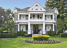 Victorian Houses in California | The White House Inn and Spa at 443 Brown Street in Napa, California ...