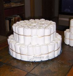 Crafty Chic's: Diaper Cake - building the tiers