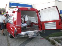classic real Cadillac ambulances of days gone past American Ambulance, Woody Wagon, Flower Car, Air New Zealand, Rescue Vehicles, Emergency Response, Fire Apparatus, Emergency Vehicles, Fire Dept