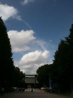 鳥居の上の空:魚の庭 2011-09-02