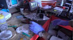 ホログラムでたった数秒!光造形3Dプリンタがまた進歩 - YouTube