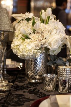 Gorgeous Wedding Inspiration That Leave Your Speechless - MODwedding Silver Wedding Centerpieces, Flower Centerpieces, Wedding Decorations, Silver Weddings, Silver Vases, Centrepieces, Hollywood Glamour, Old Hollywood Wedding, Classic Hollywood